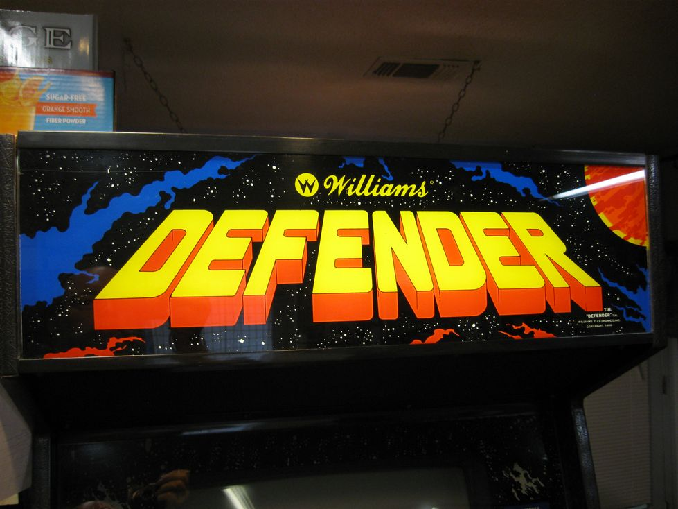 Defender - Williams Video Game - Click Image to Close